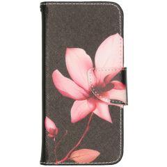 Design Softcase Booktype iPhone 12 (Pro) - Bloemen
